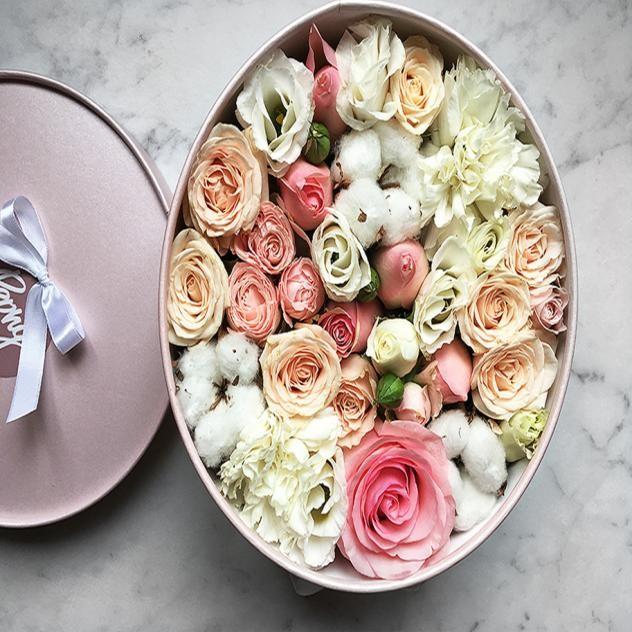 Розы с хлопком в коробке