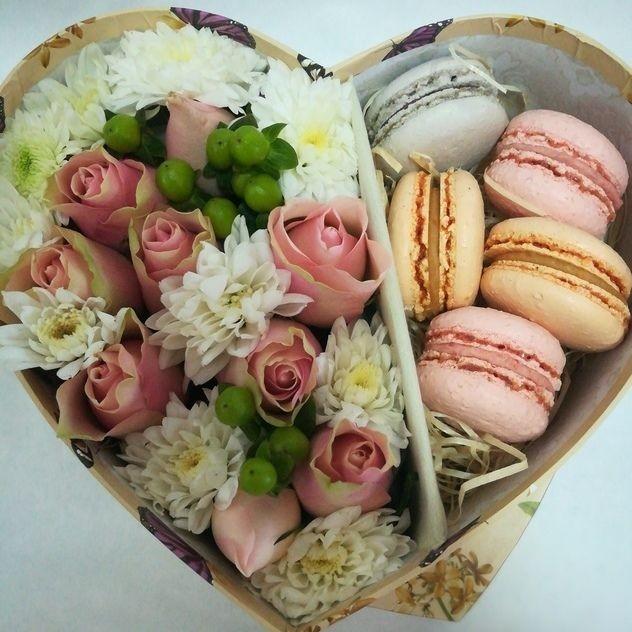 Коробочка цветочки и сладости