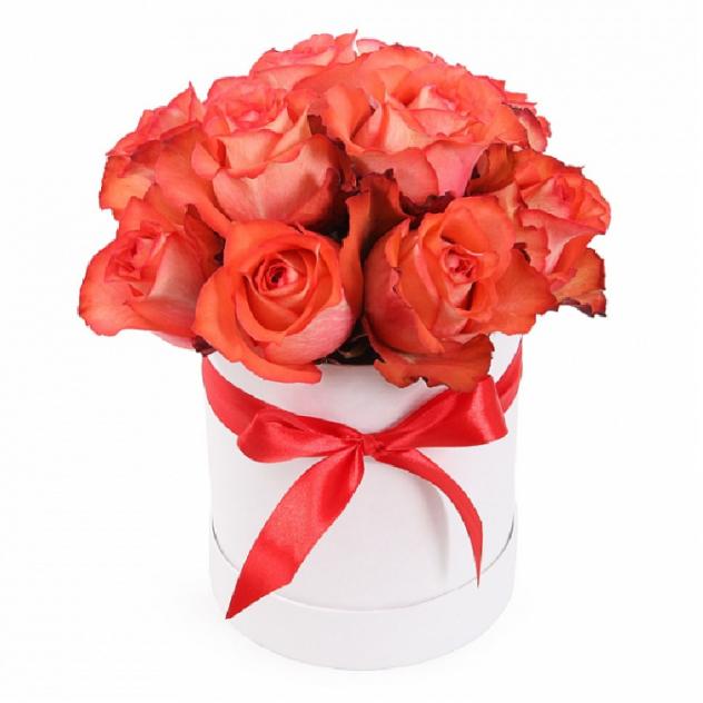 Букет 15 чарующих розовых роз в шляпной коробке